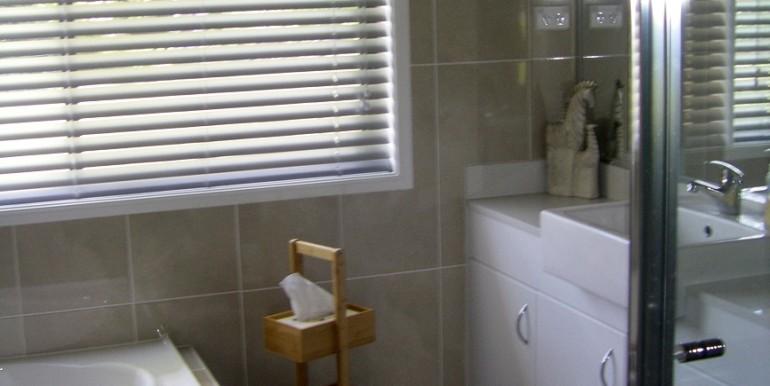 main bathroo